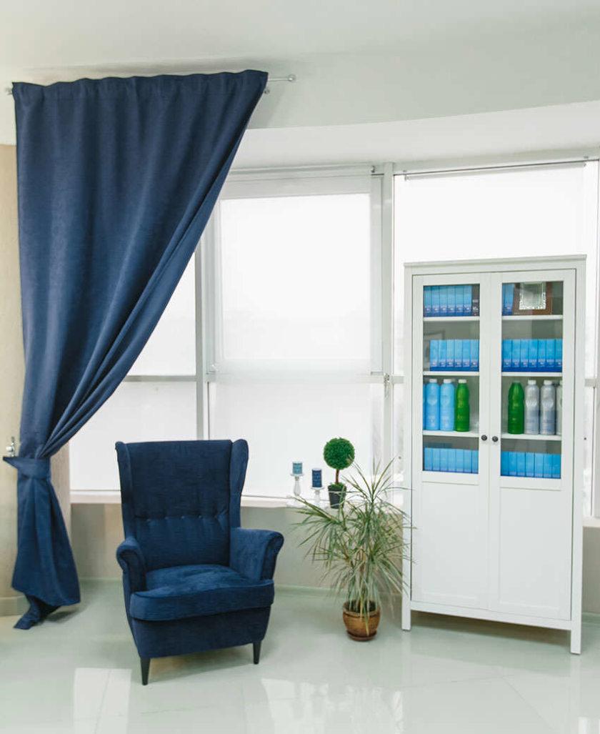 Gordijnen Ikea in het interieur van een echte foto